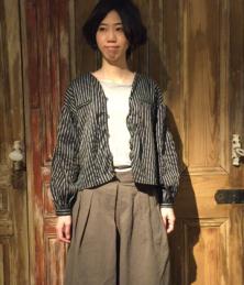 Pencil stripe gather blouse