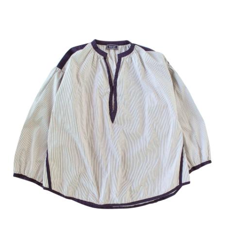 Balloon sleeve tack blouse