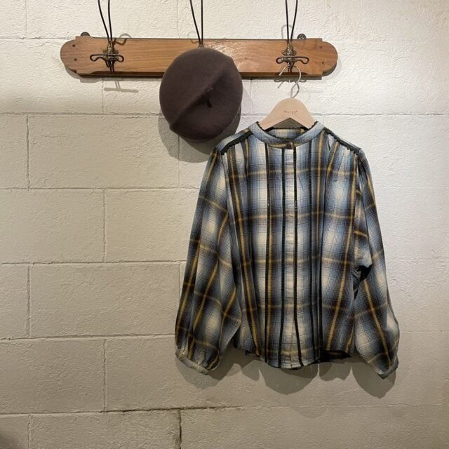 Stand collar tuck blouse