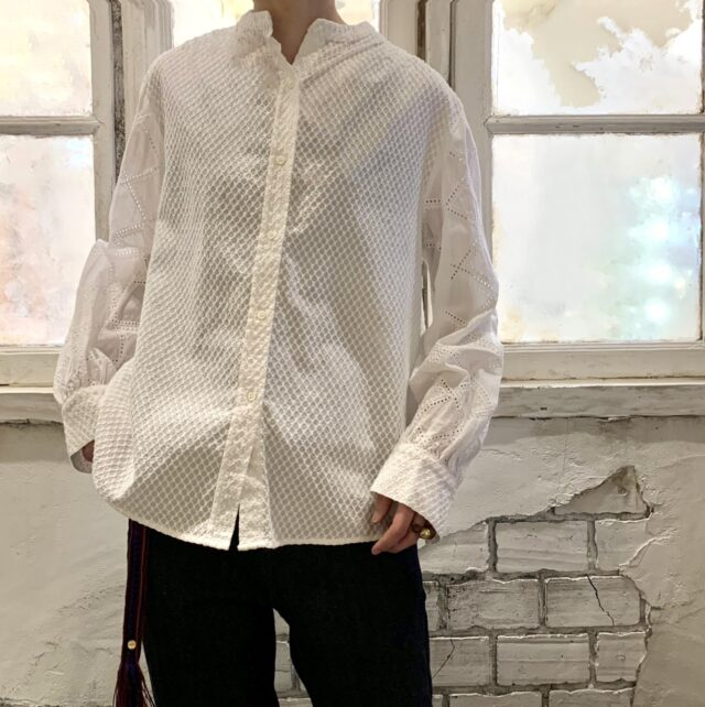 Lace switching blouse